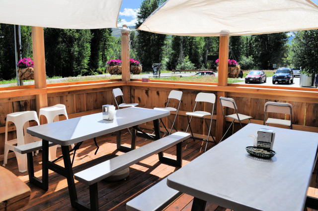 Methow Valley Ciderhouse Outdoor Seating