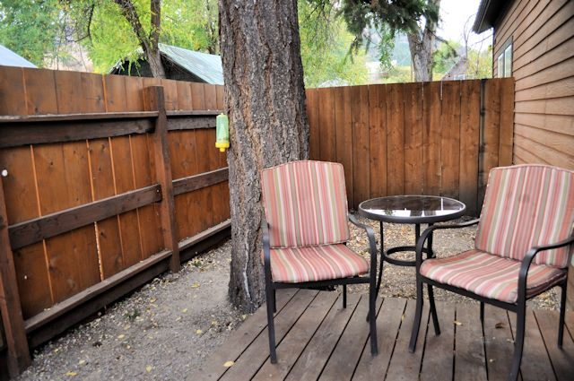 Twisp River Suites Pet-friendly Fenced Backyard