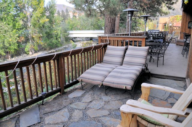 Twisp River Suites Sunning Chairs