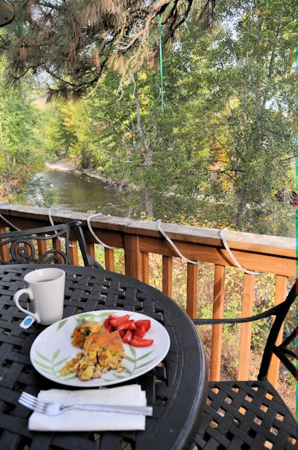 Twisp River Suites Breakfast with a View