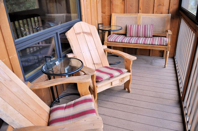Twisp River Suites Adirondack Chairs