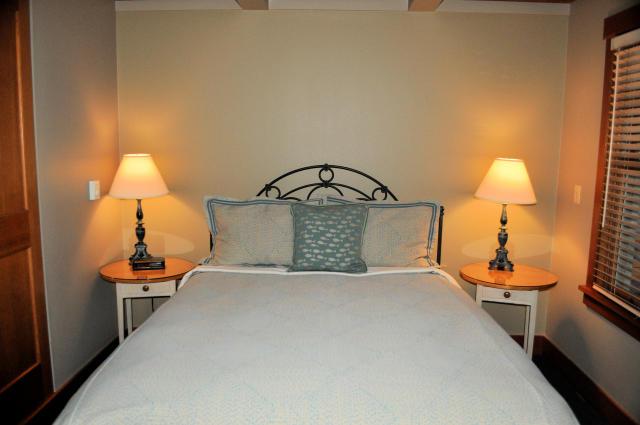 Guest room at the La Conner Channel Lodge in La Conner, Washington.