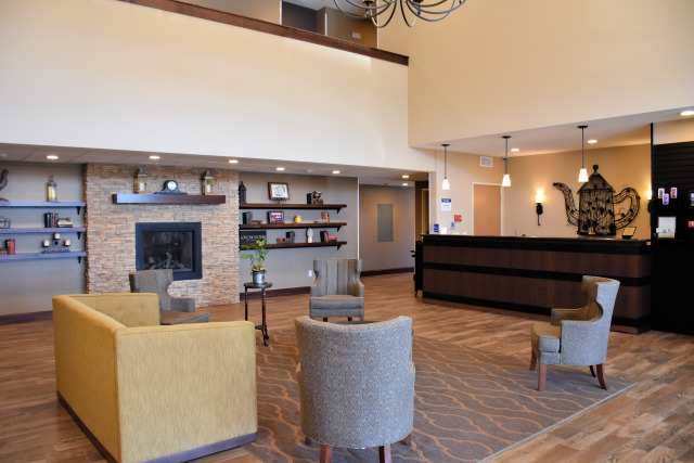 The lobby at the Best Western PLUS Vintage Valley Inn.