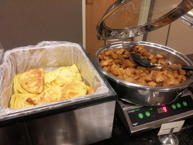 The hot breakfast at Best Western PLUS Vintage Valley Inn.