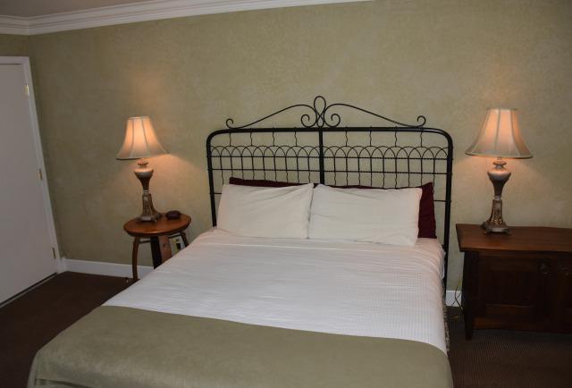 Queen deluxe room at the Village Green Resort.
