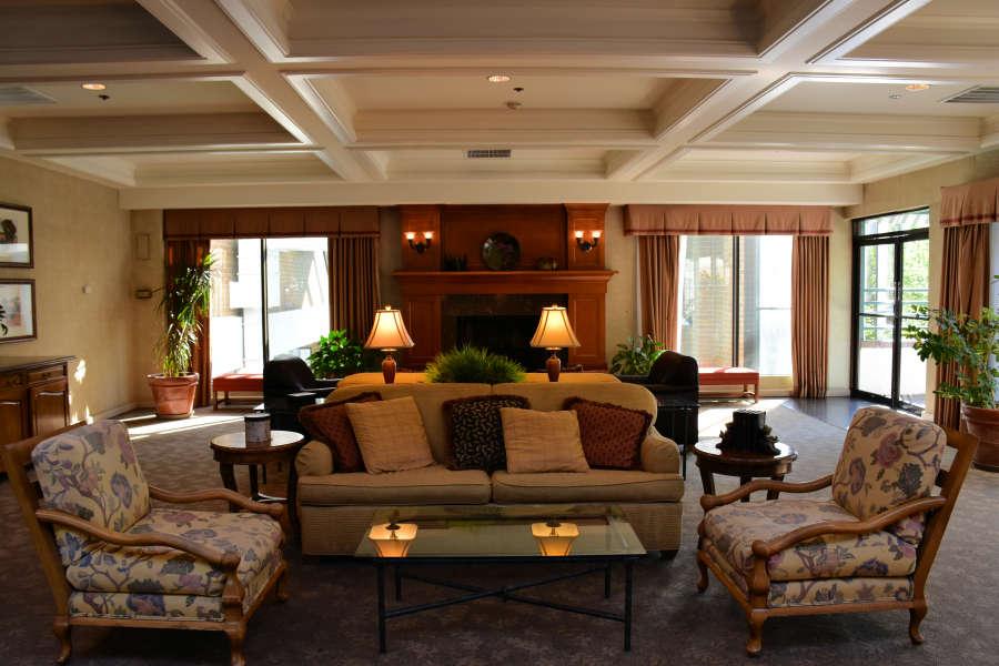 The lobby at the Wenatchee Coast Center Hotel.
