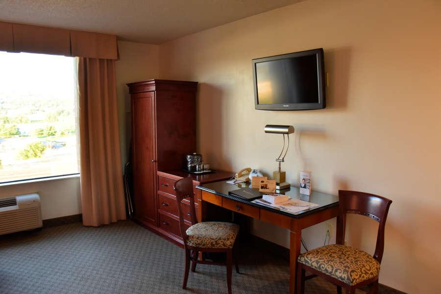 Desk area at the Coast Wenatchee Center Hotel.