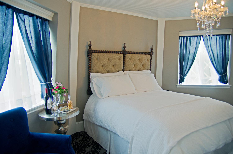 Bedroom at The Mill Inn in Lynden, Washington.