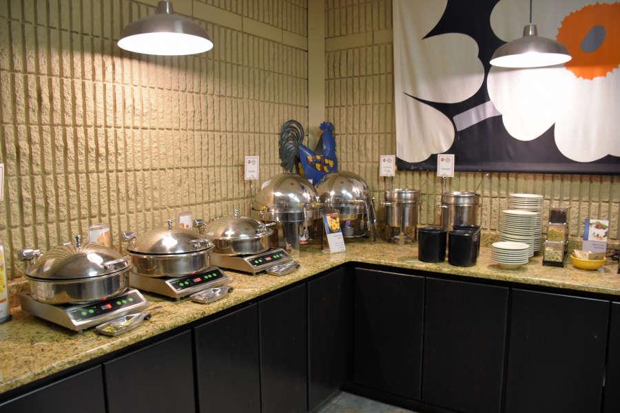 Breakfast room at the Best Western PLUS University Inn in Moscow, Idaho.