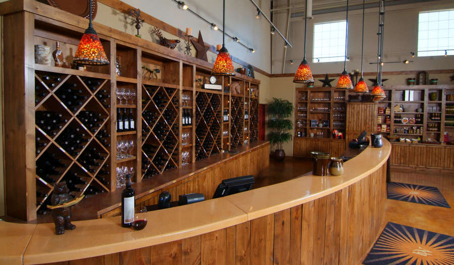 The tasting room at Desert Wind Winery.