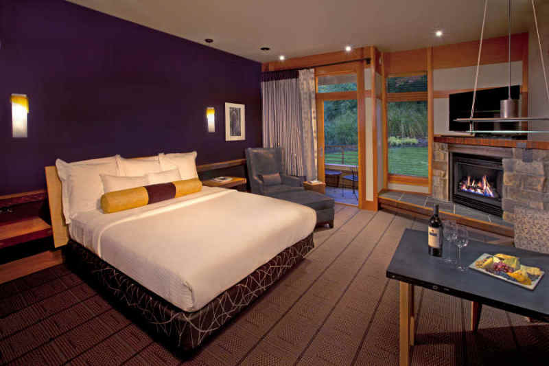 Guest room at the Willows Lodge.