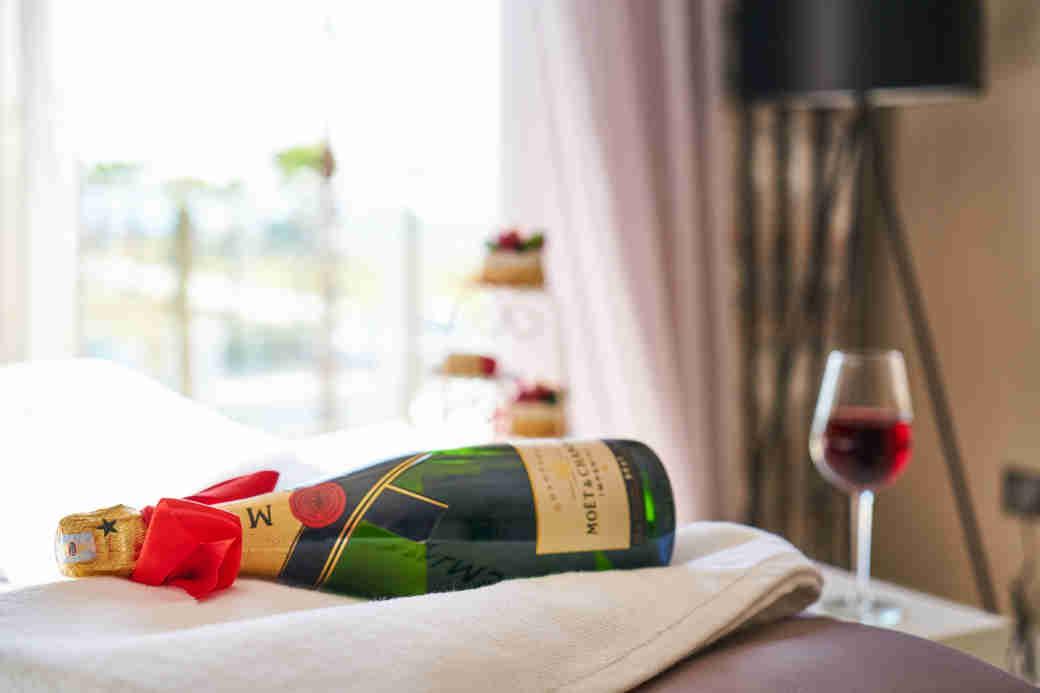 Romantic Getaways: Luxury in Wine Country • Small Town Washington