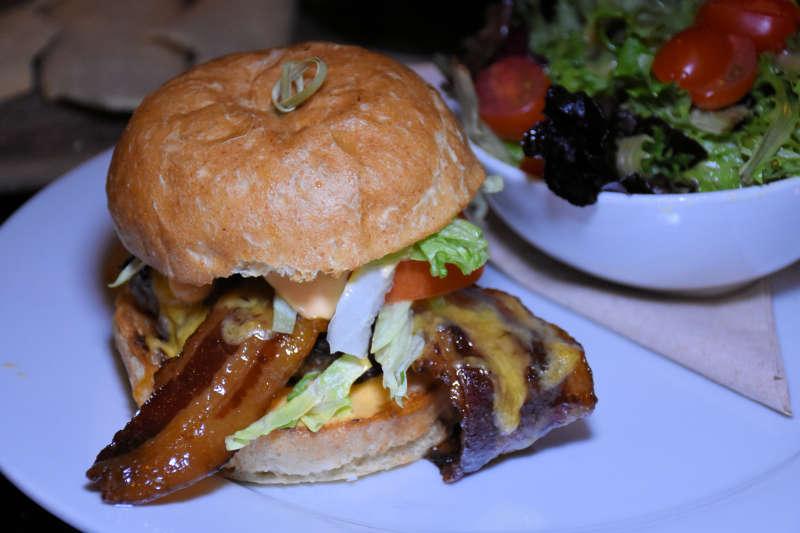 Lot No. 3 hamburger.