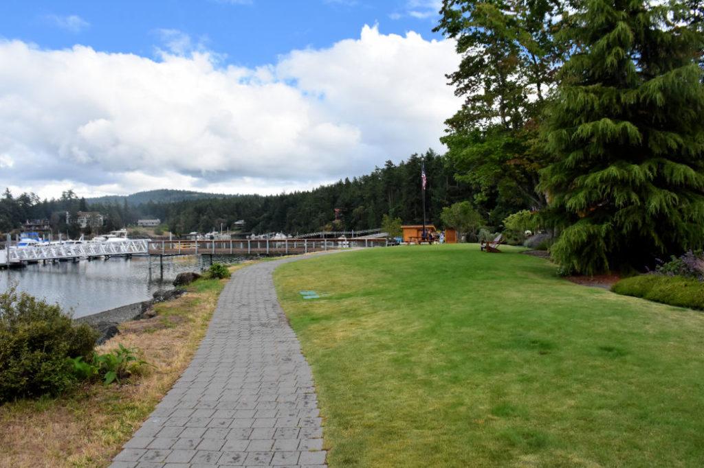 The path to reception at Snug Harbor Resort.