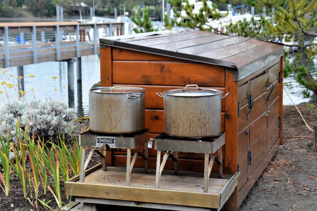 Crab cookers at Snug Harbor Resort.