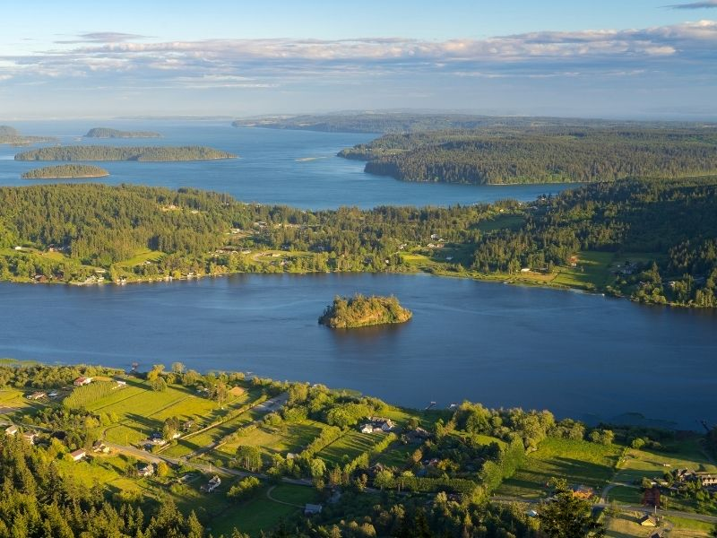 An aerial photo of Fidalgo Island: small islets and larger islands in the Puget Sound Washington