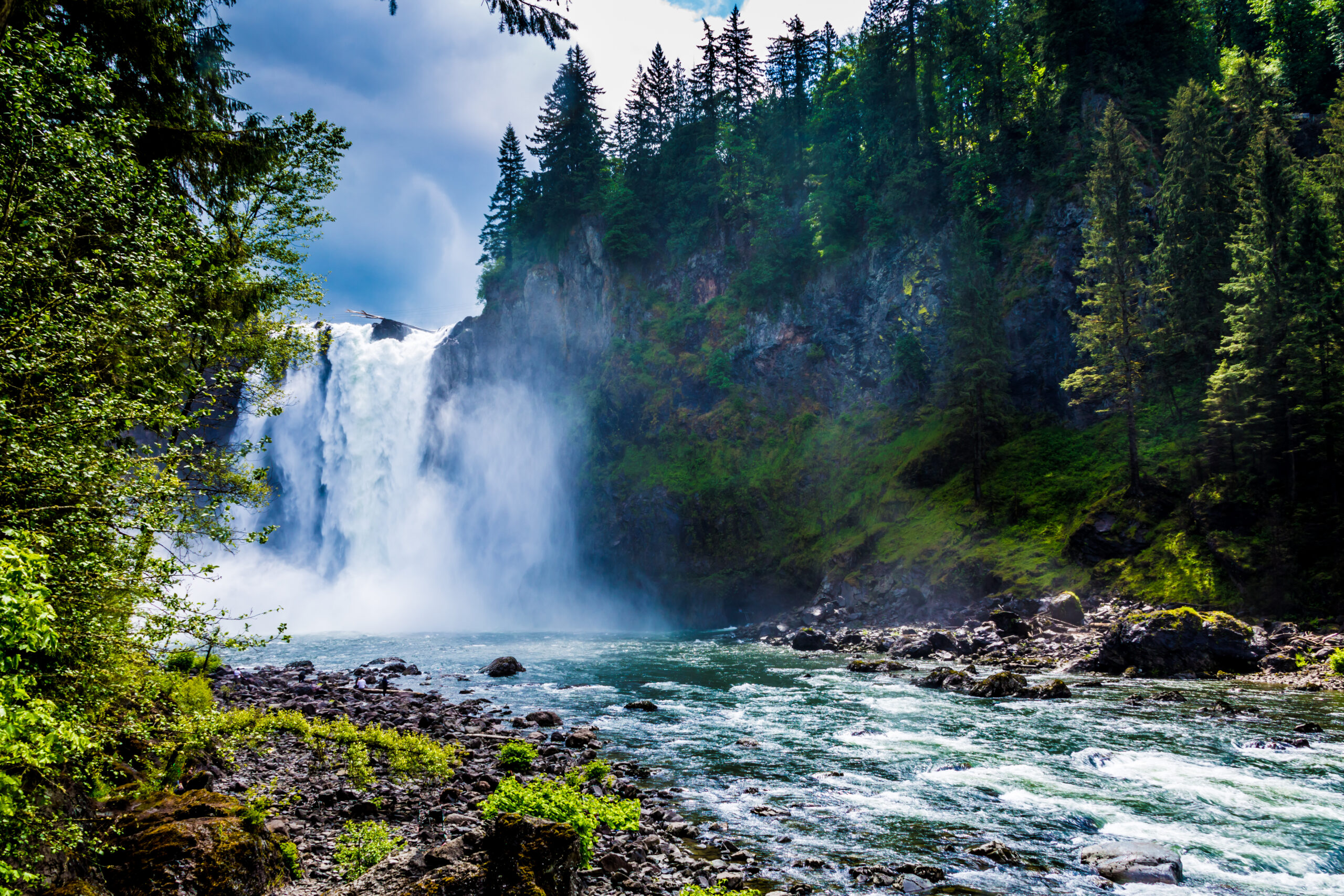 snoqualmie falls near seattle, one of the best seattle day trips