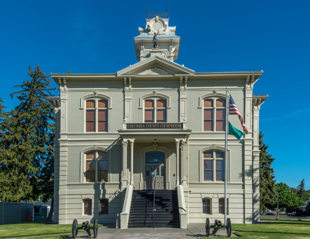 columbia county courthouse in dayton, one of the best small towns in washington state