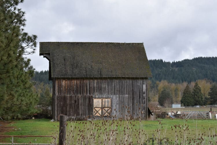 historic wooden barn in brownsville or