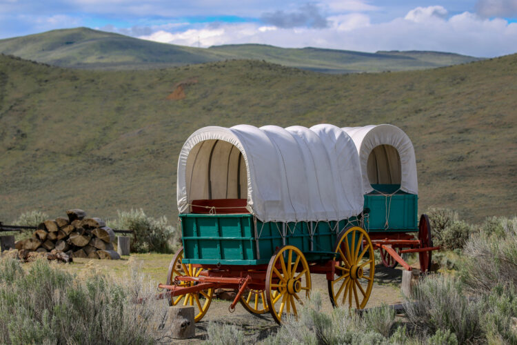 covered wagon in baker city oregon museum