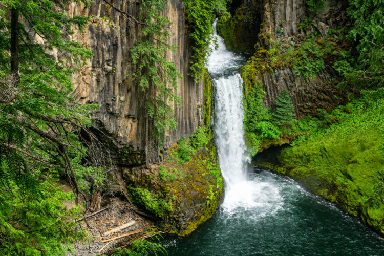 close up of toketee falls oregon, one of the best waterfalls in oregon