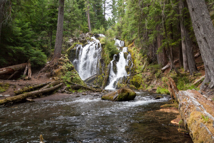 national creek falls, one of the best waterfalls close to crater lake national park