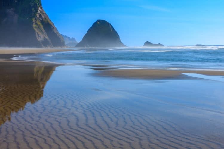 sandy stretch of beach in manzanita or