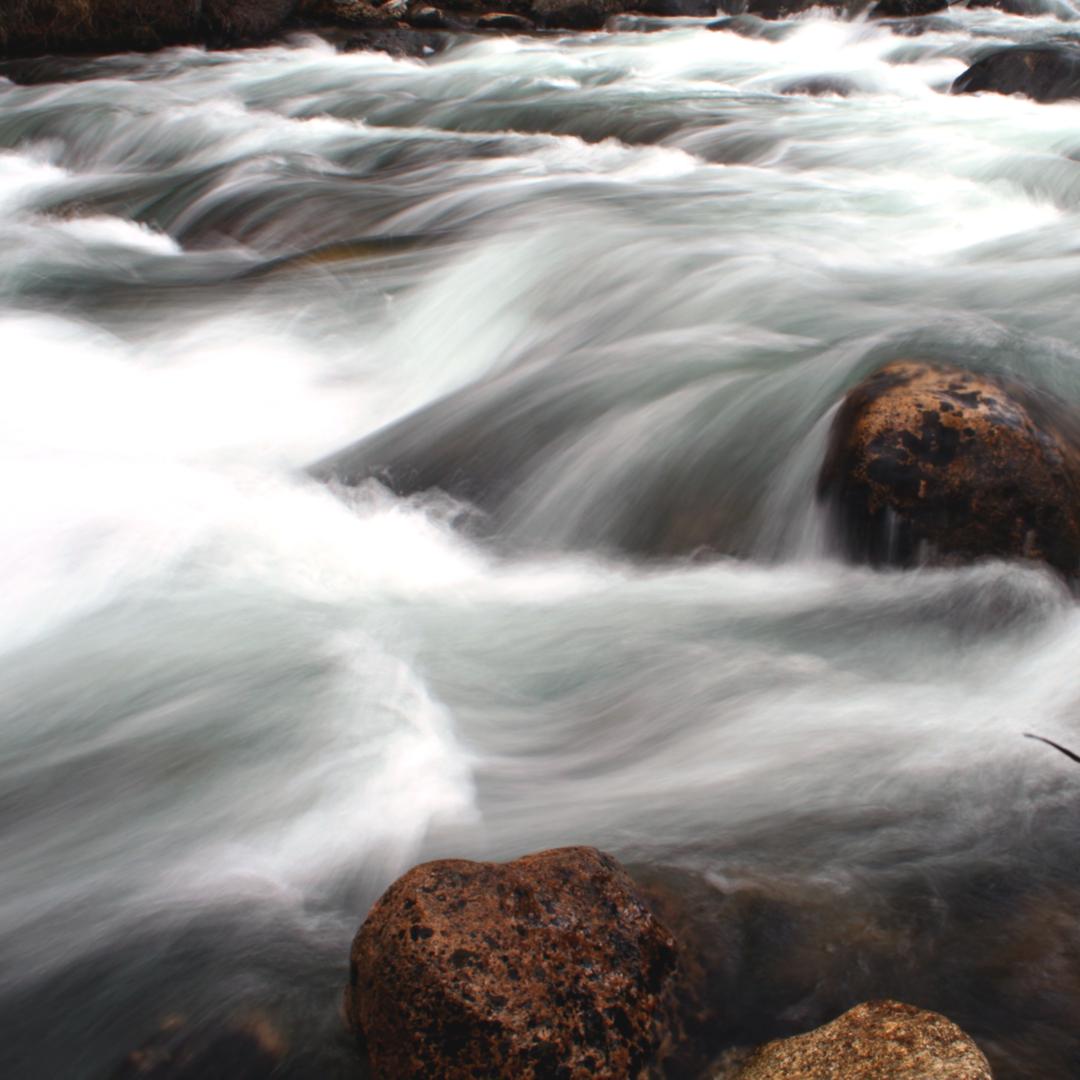 close up of a small waterfall idaho